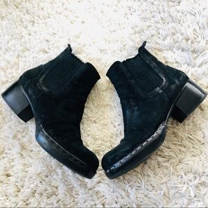 Costume National black leather ankle boots 36